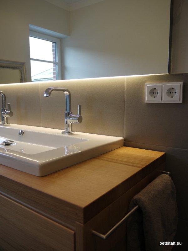 bettstatt manufaktur inh ulf schmidt waschtisch in einem elternbad. Black Bedroom Furniture Sets. Home Design Ideas